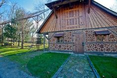 Best collection of cordwood building pictures I've seen yet. Lots have sources cited. Natural Building, Green Building, Building A House, Cabin Design, House Design, Cordwood Homes, Northern White Cedar, Eco Buildings, Small Woodworking Projects