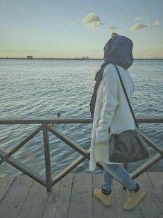 Hijabi Girl, Girl Hijab, Hijab Outfit, Arab Girls, Muslim Girls, Street Hijab, Hijab Dpz, Muslim Women Fashion, Drunk Girls