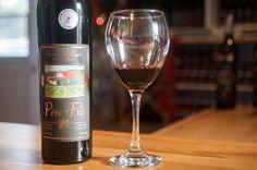Roadtrip gustatif au Saguenay: vin Lac Saint Jean, St Lawrence, Archipelago, Red Wine, Alcoholic Drinks, Road Trip, Canada, Bottle, Glass