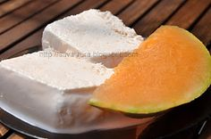 Parfait de pepene galben | Retete culinare cu Laura Sava Parfait, Sweets Recipes, Sorbet, Gelato, Cantaloupe, Food And Drink, Ice Cream, Mai, Drinks