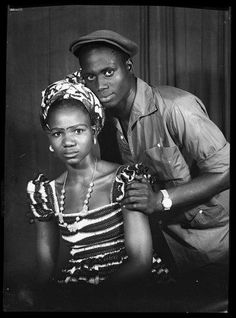 The official website of the great Malian photographer Seydou Keita Seydou Keita, African Culture, African History, Famous Photographers, Portrait Photographers, Photo Grand Format, Afro, Black Love, Black And White