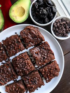 Chocolate avocado california prune brownies that are vegan, paleo, gluten free, and packed with vitamins. Avocado Brownies, Healthy Brownies, Variety Of Fruits, Fruits And Veggies, Healthier Desserts, Vegan Desserts, Prune Recipes, Dried Prunes, Ripe Avocado