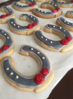 Shortbread and royal icing horseshoe cookies I made for our Derby party 2015.