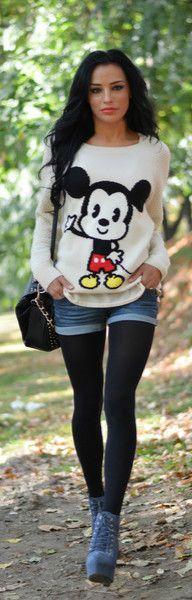 micky mouse rulez:)    Ohhhhh gezzuzzzzzzzzz the shorts ?!!! Ughhhhhhh --