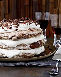 Hazelnut-and-Chocolate Meringue Cake This extraordinary dessert, made with crisp chocolate-hazelnut meringue and whipped cream, is simple to make. But pastry chef Daniel Jasso of Portland. Desserts Nutella, Chocolate Desserts, Just Desserts, Chocolate Cake, Chocolate Pavlova, Meringue Desserts, Flourless Desserts, German Chocolate, White Chocolate
