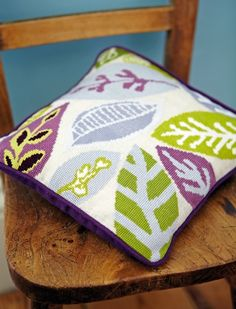 Falling leaves cross stitch cushion: http://www.themakingspot.com/cross-stitch/pattern/falling-leaves-cushion