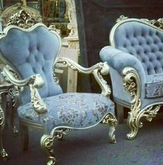Beautiful! Royal Furniture, Luxury Home Furniture, Victorian Furniture, Mirrored Furniture, Home Decor Furniture, Furniture Design, Upholstered Sofa, Chair Design, Living Room Decor