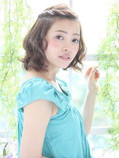 【arrange】耳かけふんわりボブ~簡単!ツイストアレンジ~ | 青山・表参道の美容室 K-two 青山店のヘアスタイル | Rasysa(らしさ)
