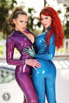 Bianca Beauchamp and friend embracing in latex catsuits Sexy Latex, Latex Babe, Sexy Outfits, Gorgeous Women, Beautiful, Latex Catsuit, Latex Dress, Latex Girls, Latex Fashion