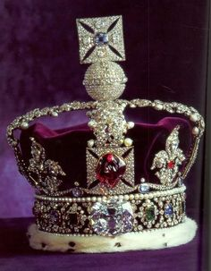 Imperial State Crown is the most famous of the Crown Jewels of United Kingdom. This was re-made for the coronation of The Queen Elizabeth II's father, King George VI, in 1937 and is set with over gems. Royal Crown Jewels, Royal Crowns, Royal Tiaras, Royal Jewelry, Tiaras And Crowns, Imperial State Crown, British Crown Jewels, Family Jewels, Princesa Diana