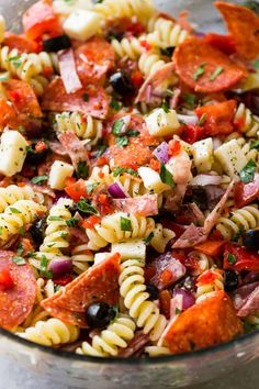 Easy Italian Pasta Salad [+ Video] <br> There's something about pasta salad recipes and summertime that just make the world happy. Our Easy Italian Pasta Salad recipe has a homemade Italian dressing, meat, cheese and veggies! Pasta Salad For Kids, Easy Pasta Salad Recipe, Best Pasta Salad, Pasta Salad Italian, Homemade Pasta Salad, Dressing For Pasta Salad, Salad With Pasta, Cold Pasta Salads, Pasta Salad Recipes Cold