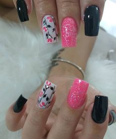 Pink Nails for Valentines Pink Manicure, Pink Nails, Gold Nails, Gorgeous Nails, Pretty Nails, Hair And Nails, My Nails, Trendy Nail Art, Super Nails