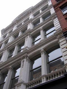 Outside Heath Ledger's Apartment, 421 Broome Street, Soho, New York City, New York. (26/01/2008)