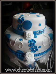 Bruidstaart modern wit-blauw