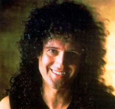 Foto Brian - page 192 Queen Brian May, Famous Pictures, Best Guitarist, Queen Love, Queen Freddie Mercury, Queen Band, John Deacon, Cool Bands, Musicians