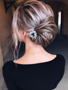 Wedding Hairstyle Inspiration – tonyastylist (Tonya Pushkareva … – Damen H… - Frisuren Ideen Messy Bun Hairstyles, Haircuts For Long Hair, Cool Hairstyles, Hairstyle Ideas, Messy Chignon, Low Bun Updo, Blonde Hairstyles, Hair Ideas, Elegant Wedding Hair