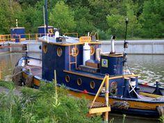 Tug boat on the Erie Canal
