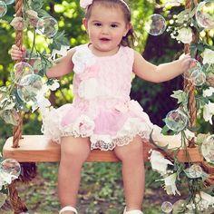 Chique tutu jurk met rozetten en strass steentjes