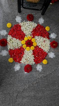 Rangoli Designs Flower, Rangoli Patterns, Rangoli Ideas, Colorful Rangoli Designs, Rangoli Designs Diwali, Diwali Rangoli, Rangoli Designs Images, Flower Rangoli, Beautiful Rangoli Designs
