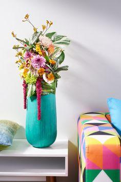 Der Paradiesvogel! Florale Skulptur in expressiven Farben. Das Objekt bietet spannende Kontraste und ein außergewöhnliches Farbenspiel. Ein Must-Have für alle, die es exotisch lieben.