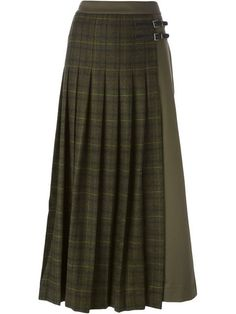 long plaid skirt Source by jotosh Long Green Skirt, Green Plaid Skirt, Long Plaid Skirt, Plaid Skirts, Green Maxi, Denim Skirt Outfits, Plaid Outfits, Tartan Mode, Tartan Plaid