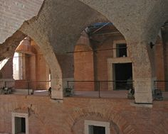 Secrets of Roman concrete revealed. The concrete walls of Trajan's Markets in Rome have stood the test of time and the elements for nearly years. They have even survived a major earthquake in 1349 [Credit: Marie Jackson] Ancient Greek Architecture, Roman Architecture, Ancient Rome, Ancient Art, Ancient History, Roman Concrete, Concrete Walls, Volcanic Ash, Dogue De Bordeaux