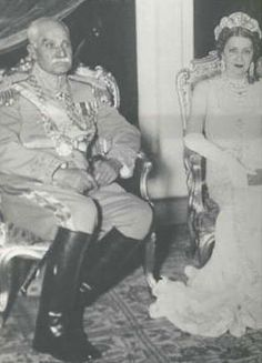 Reza Shah Pahlavi of Iran and Queen Nazli of Egypt. Farah Diba, Cairo Citadel, King Of Persia, The Shah Of Iran, Pahlavi Dynasty, Persian People, Persian Pattern, Ancient Persia, Old Egypt