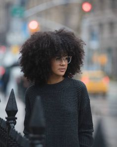 All You Need to Know about the Afro Hairstyle Natural Hair Inspiration, Natural Hair Tips, Natural Hair Journey, Natural Hair Styles, Natural Wigs, Curly Hair With Bangs, Kinky Curly Hair, Big Hair, Afro Hairstyles