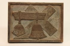 Class of 1950 bronze time capsule cover