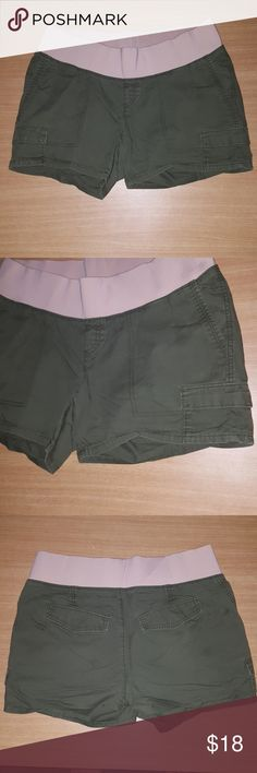 d5006a1ac9864 Old Navy maternity shorts Olive green maternity cargo shorts. Wide  comfortable waist band. Gently