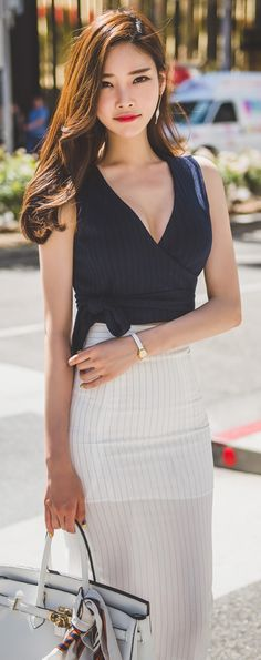 Korean Fashion Online Store 韓流 Trends  Luxe Asian Women 韓国 Style Clothes Shop korean style clothing Elian rap sleeveless Top