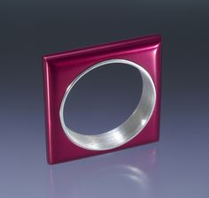 Pretty pink and anodized sterling silver ring. By Jon M Ryan. (2006)