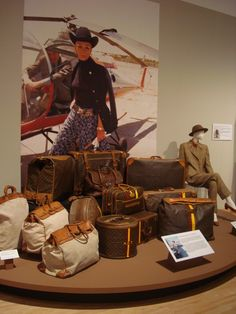 Ann Bonfoey Taylor's Louis Vuitton luggage set at Phoenix Art Museum - now that is come luggage...wow!