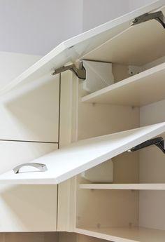 System otwierania Aventos HKS firmy Blum Modern Kitchen Design, Bunk Beds, Kitchen Decor, Gap, Loft, Cabinet, Storage, Furniture, Home Decor