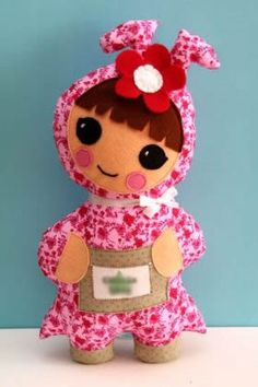 One Red Robin: Craft|Design|Drawings|Softies|Patterns|Handmade » Baby Chibis, Pop, & a New Happy Chibi