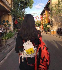 Cre: Everywhere 👑 Lấy = Follow me ? 👑 #Tử_Du 👑 Ulzzang Korean Girl, Ulzzang Couple, Teenage Girl Photography, Girl Photography Poses, Girl Photo Poses, Girl Photos, Korean Short Hair, Cute Profile Pictures, Cute Japanese Girl
