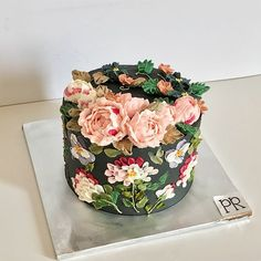 Buttercream Flowercake with paintings (RM . Buttercream Flowercake with paintings (RM . Gorgeous Cakes, Pretty Cakes, Cute Cakes, Amazing Cakes, Bolo Floral, Floral Cake, Fancy Desserts, Fancy Cakes, Buttercream Flowers