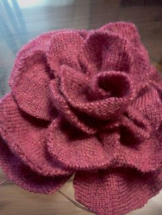 So, I found this pink wool sweater at a thrift store. I think it was misplaced… – Ruth Bowell – Thrift Store Crafts Cloth Flowers, Fabric Flowers, Felted Flowers, Diy Flowers, Recycled Sweaters, Wool Sweaters, Sweater Mittens, Old Sweater Crafts, Thrift Store Crafts