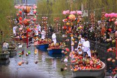 柳川お雛さま水上パレード(福岡県柳川市・水天宮前~三柱神社)