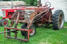 FARMALL 400 with a 33A Loader