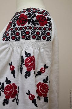 Embroidered blouse tunic Romance time by Handembroiderykvitka Polish Embroidery, Embroidery Applique, Embroidery Stitches, Embroidery Patterns, Ukrainian Dress, Learning To Embroider, My Unique Style, Embroidered Blouse, Ethnic Fashion