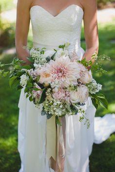 Blushing Dahlia Bouquet: Photography: Ameris - www.ameris.ca