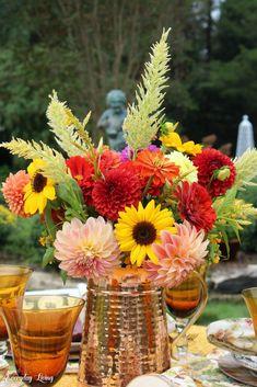 Tiny Flowers, Large Flowers, My Flower, Beautiful Flowers, Autumn Blaze Maple, Low Maintenance Shrubs, Autumn Table, Autumn Cozy, Seed Pods