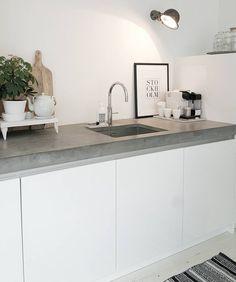 70 veces he visto estas estupendas cocinas de concreto. Kitchen Decor, Kitchen Inspirations, Rustic Kitchen Design, Home Kitchens, Kitchen Design, Kitchen Remodel, Kitchen Faucet Design, Interior Design Kitchen Contemporary, Rustic Kitchen