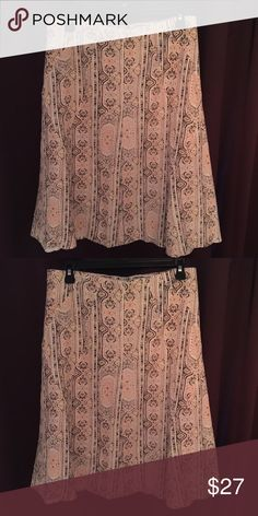 Pretty Skirt size 8 Very cute skirt, Medium size or size 8, tags removed from waist line for comfort. Worn only once. Excellent cond. Evan Picone Skirts