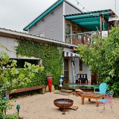 My Houzz: Eco Artist House. Like this outdoor space.