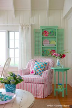 This is my dream home. Love all the bright colors!! .. it's also where I got my idea to do the pink table!