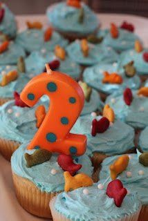 One Fish, Two Fish, Red Fish, Blue Fish Cupcakes (Dr. Seuss' b-day)  | followpics.co