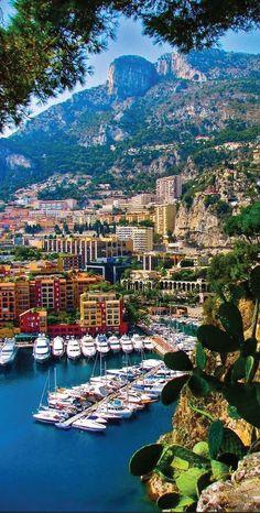 Summer Destination French Riviera   Preppy Blogs #sloaneranger #modernprepgazette