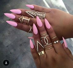 Pink Stiletto  Nails!